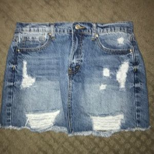 Forever 21 Ripped Denim Skirt Size 28/Medium